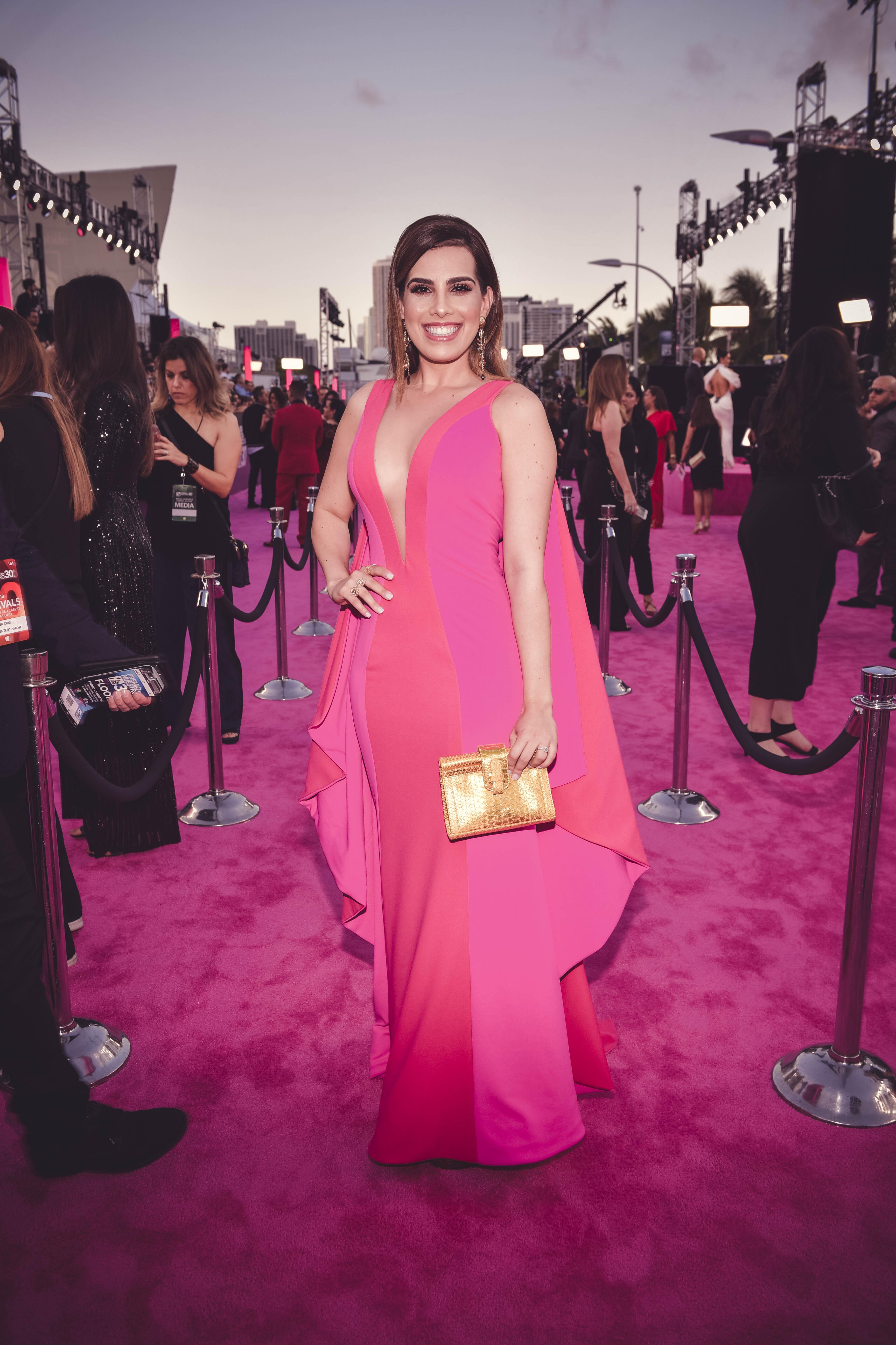 Las mejor vestidas de la alfombra magenta de Premio Lo Nuestro 2018